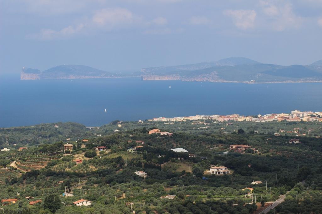 Utsikt från vägen till Monteleone över Capo Caccia