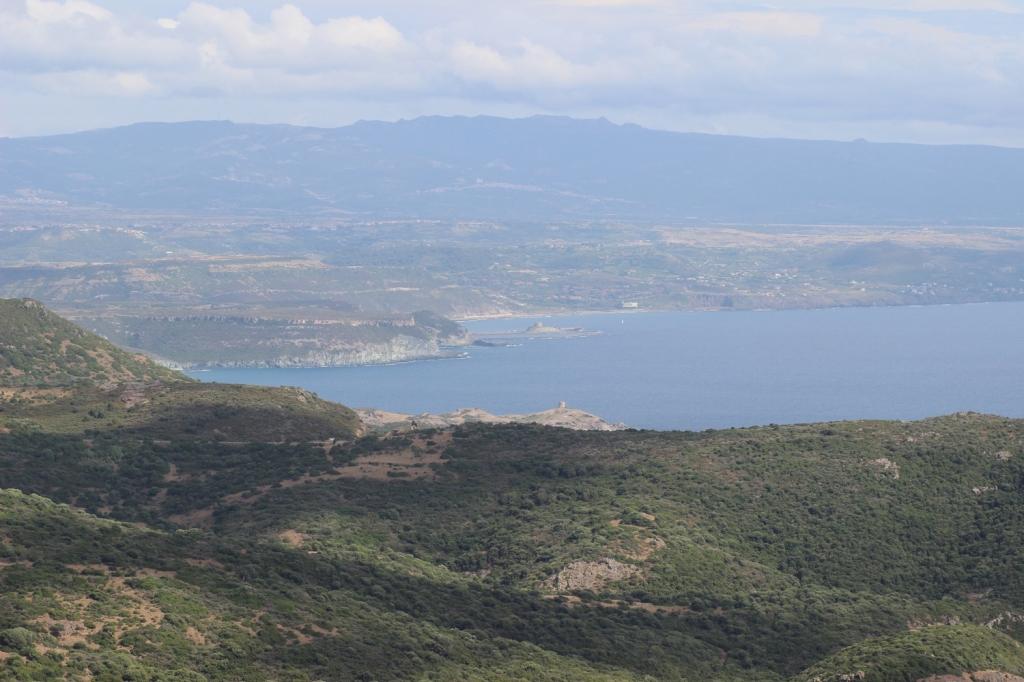 Utsikt mot Bosa från kustvägen mellan Bosa och Alghero